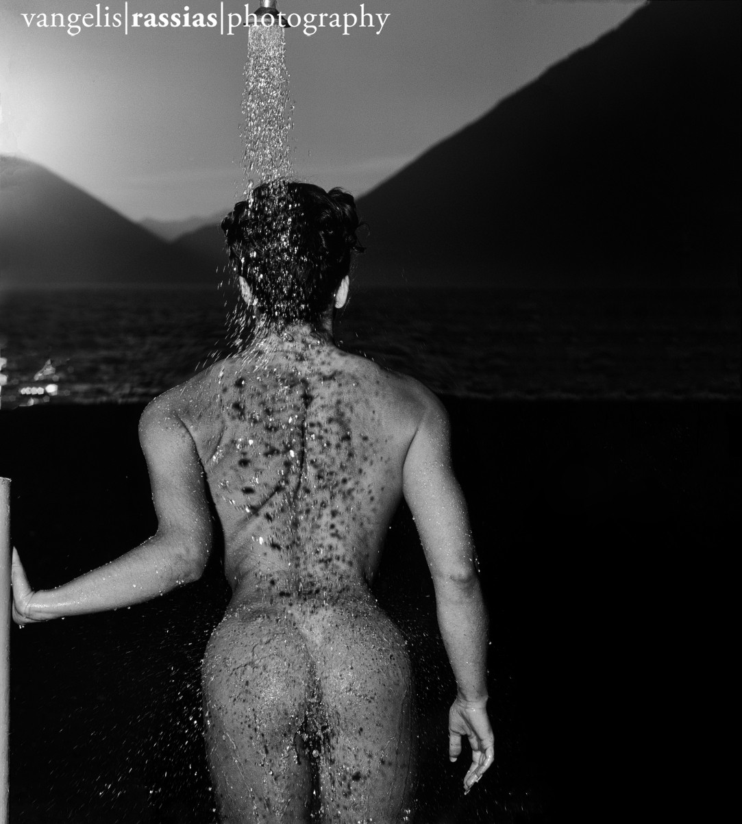 31-bb-bw-crop-christina-sous-la-douche-5-2001-144