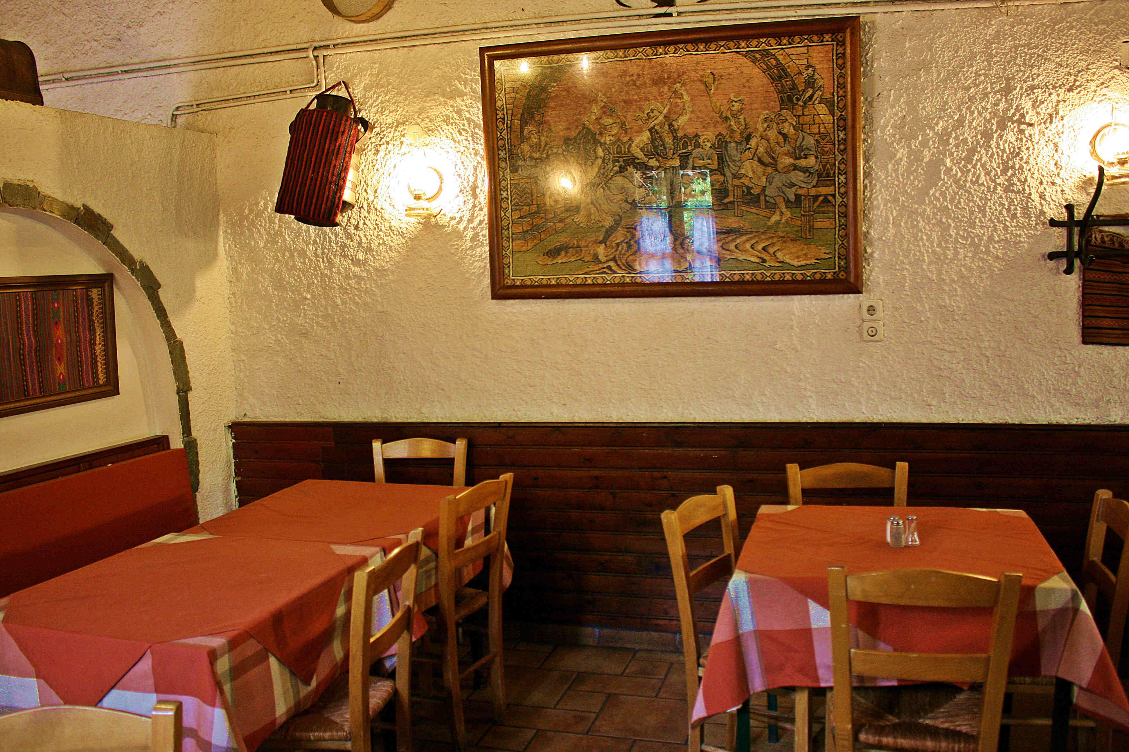 theofilos-tavern-1