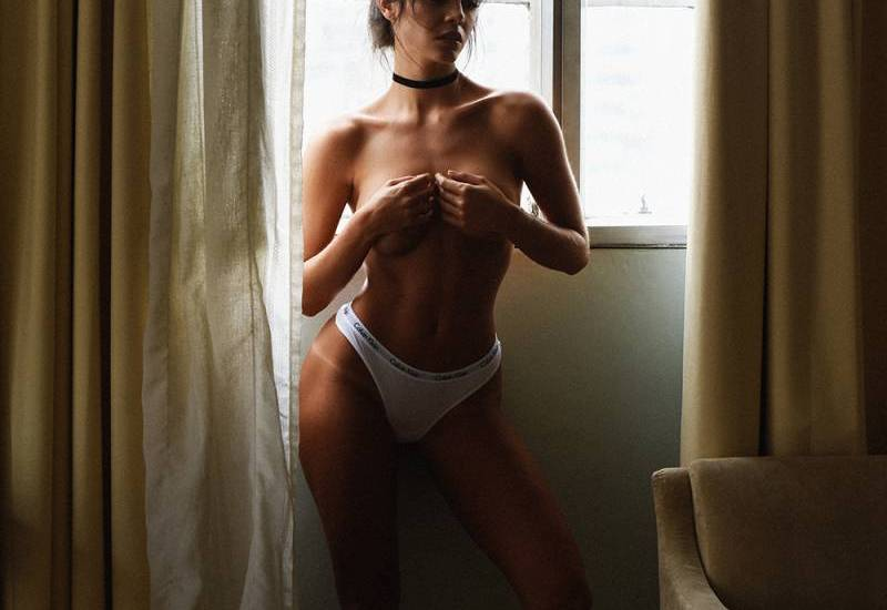 Maestra sexy topless en crucero - 2 part 10