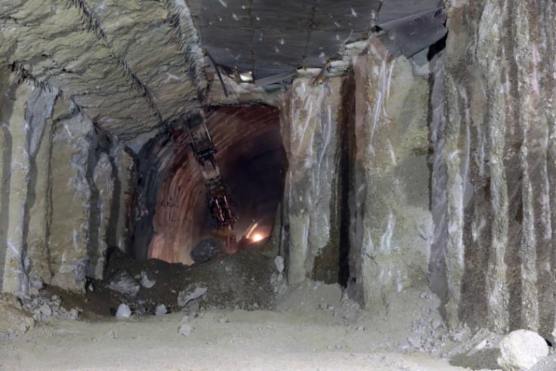 υπόγεια σήραγγα