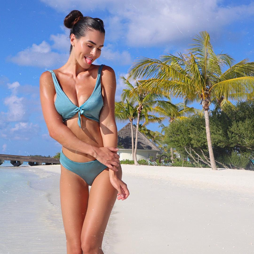 Young Elisha Herbert nude photos 2019